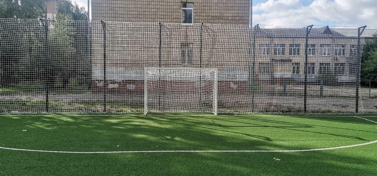 Отремонтировали футбольном поле